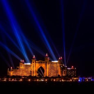 Abu Dhabi di notte