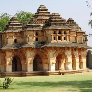 India, Lotus Mahal