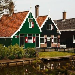 Olanda, case sul fiume